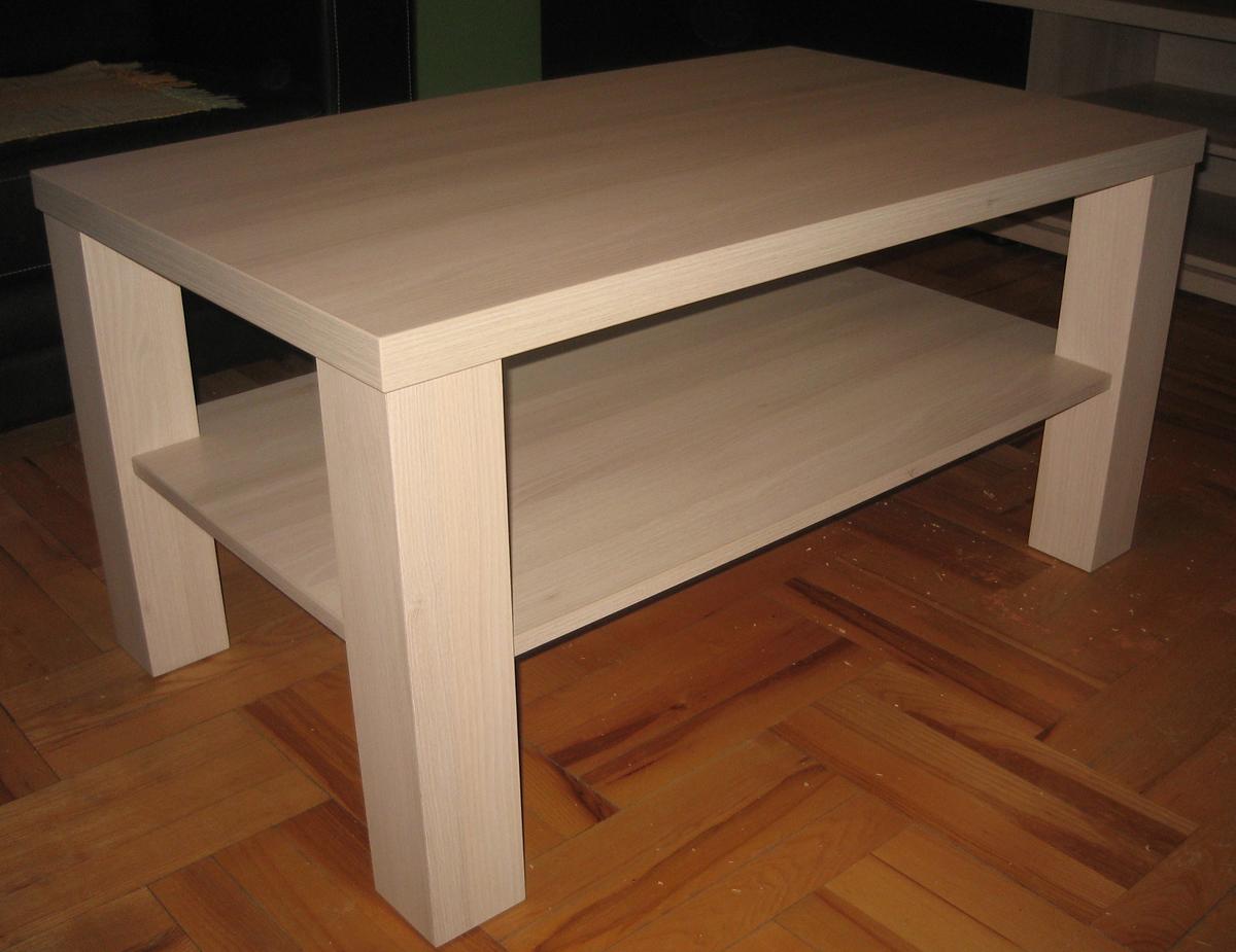Drveni stolić